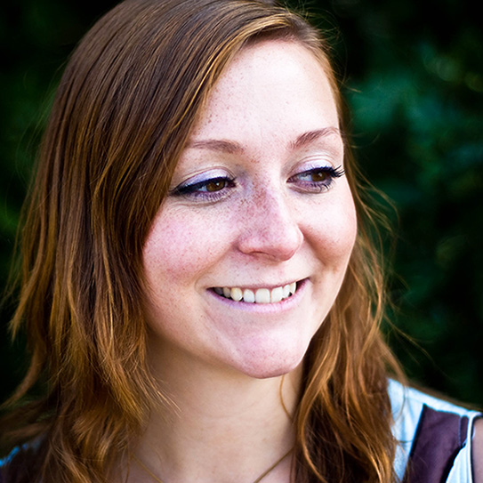 girl smiling with white straight teeth